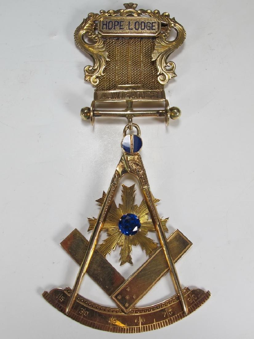 Antique Masonic 14 kt gold breast jewel