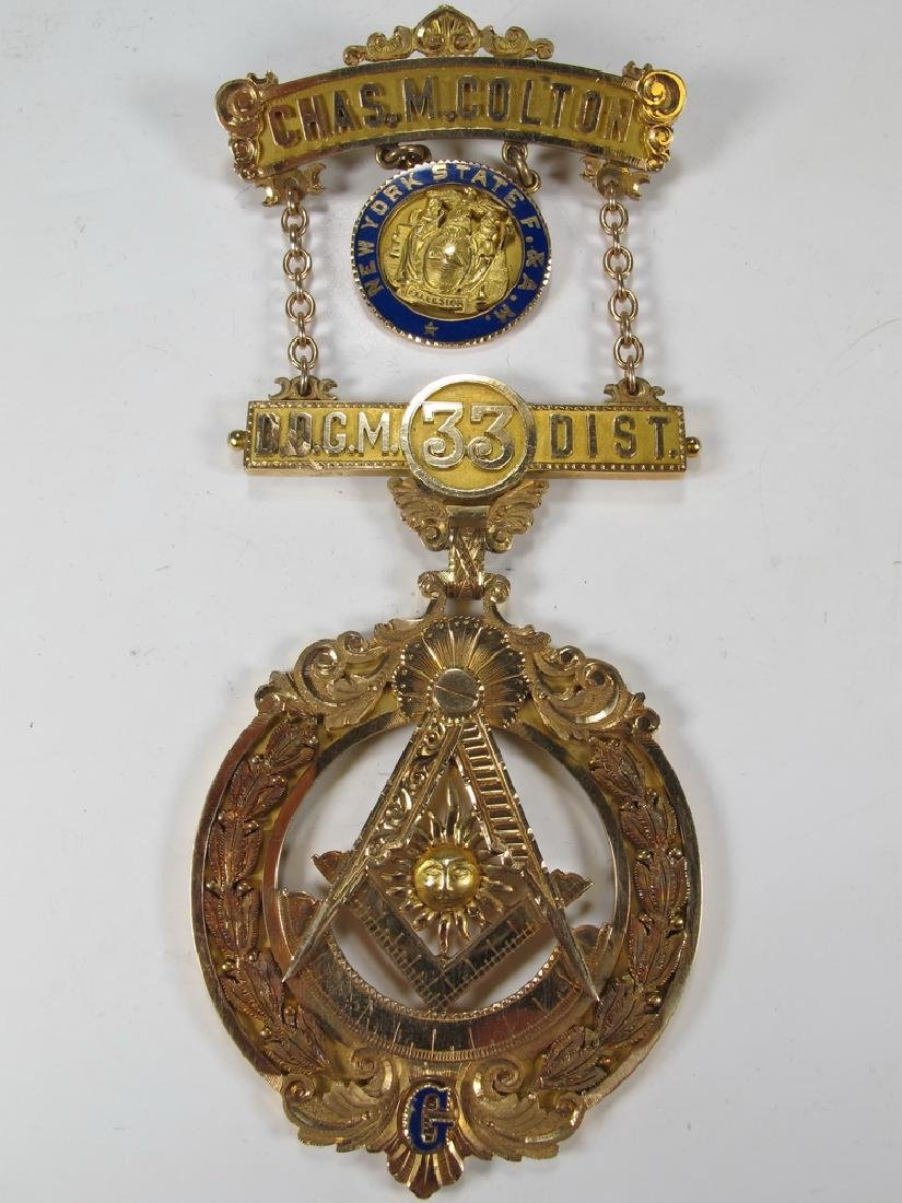 Antique Masonic 14 kt gold Past Master breast jewel