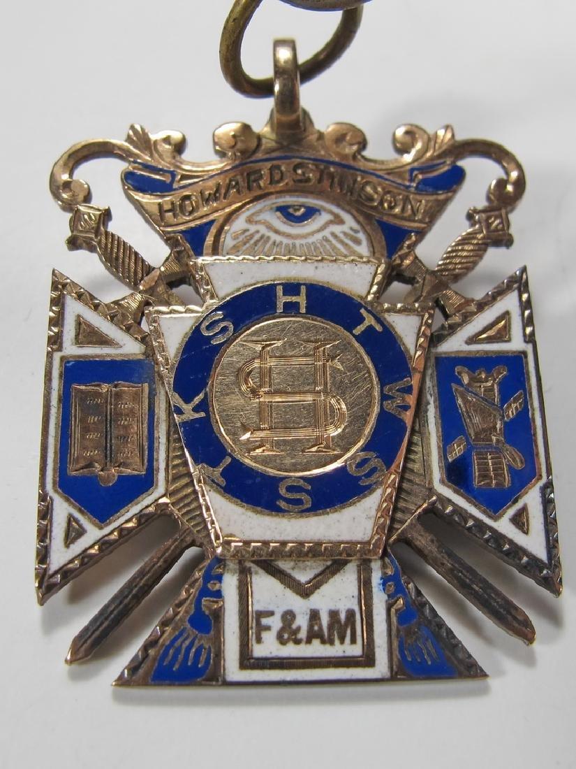 Antique Masonic 8k gold Royal Arch jewel