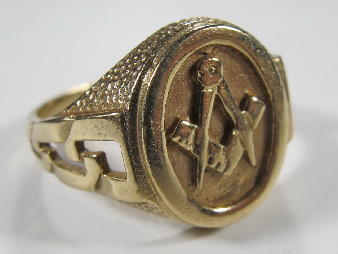 Vintage Masonic 9k gold men's ring in a box - 3