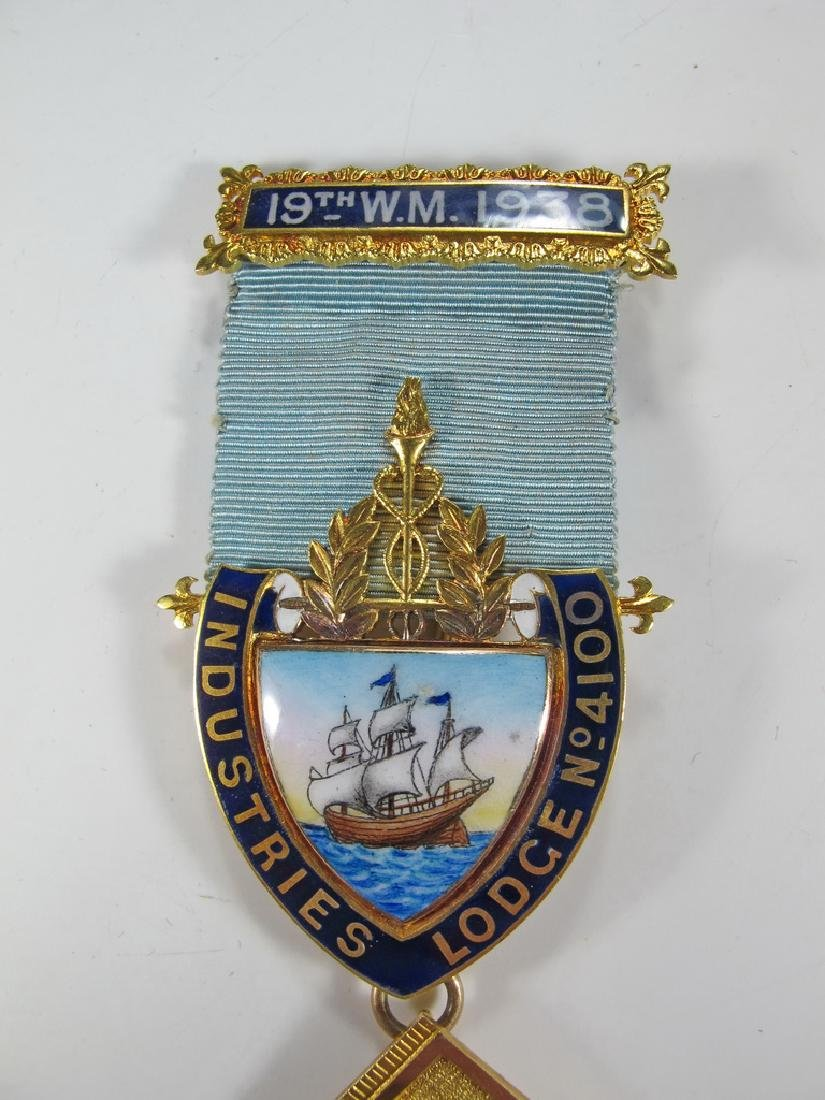 Masonic stamped 15K gold Worshipful Master jewel - 2
