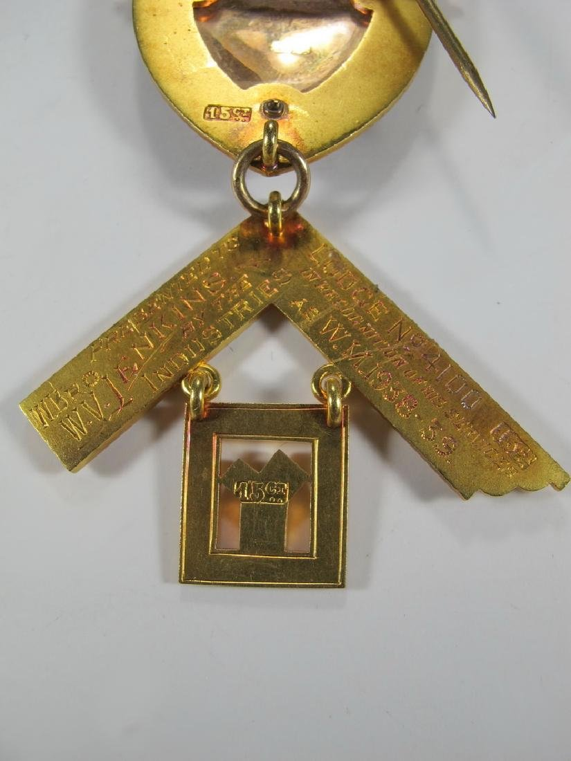 Masonic stamped 15K gold Worshipful Master jewel - 7