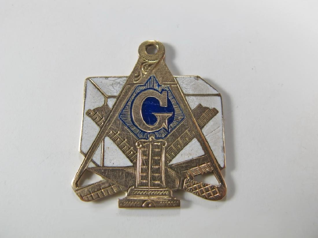 9K gold and enamel Freemasonry pendant - 2