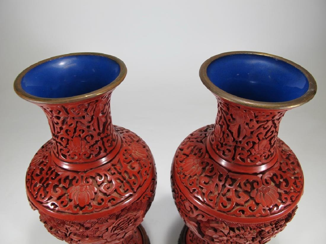 Vintage Chinese pair of cinnabar vases with a wood base - 2