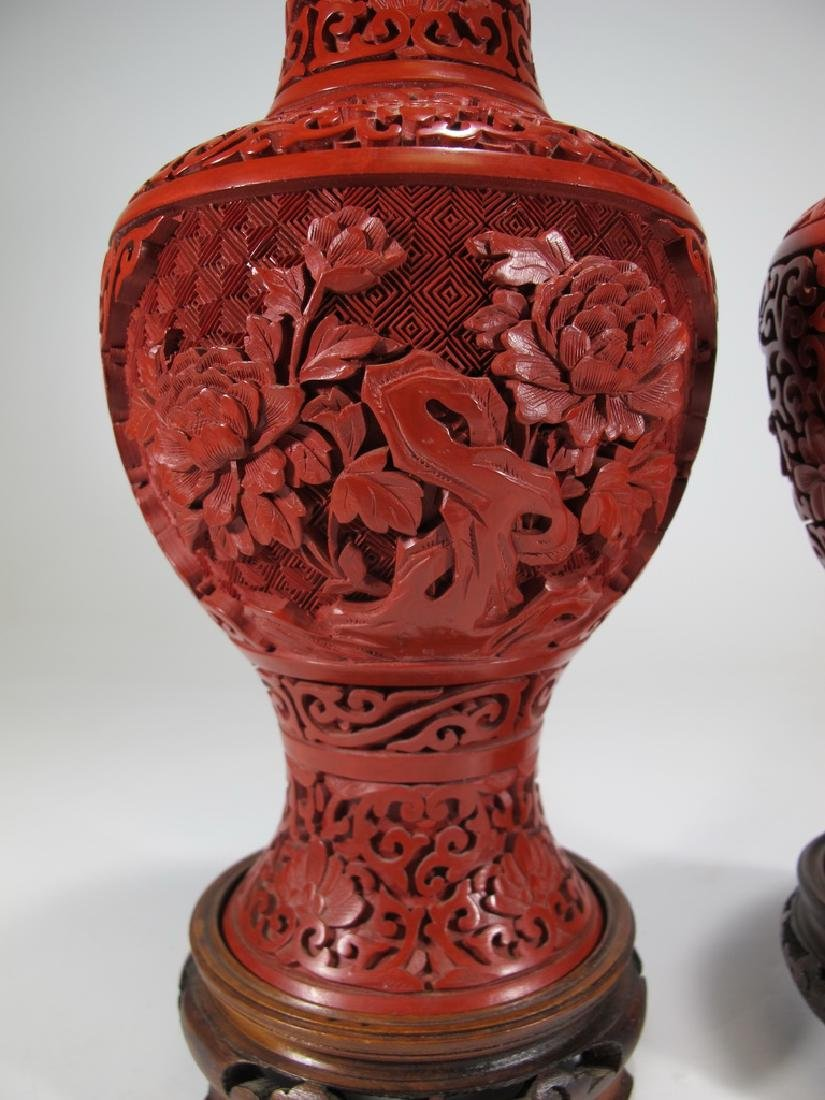 Vintage Chinese pair of cinnabar vases with a wood base - 3