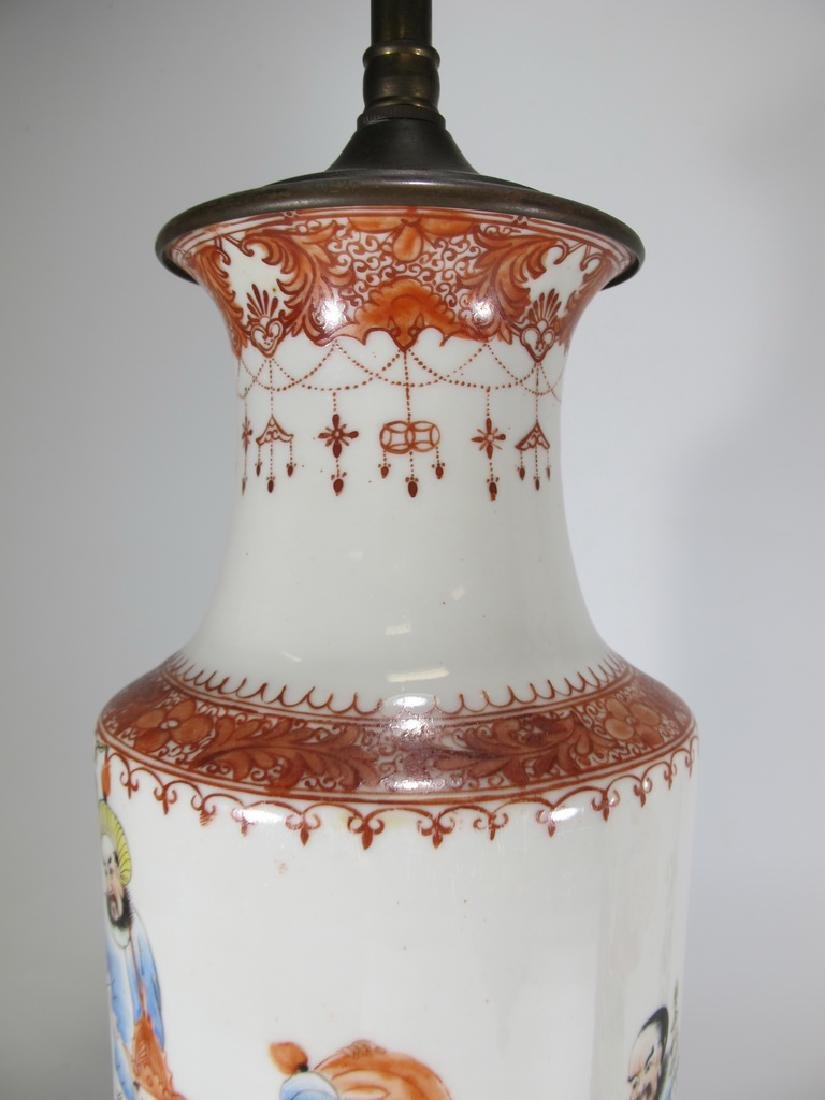 Vintage Chinese pair of porcelain lamps - 2