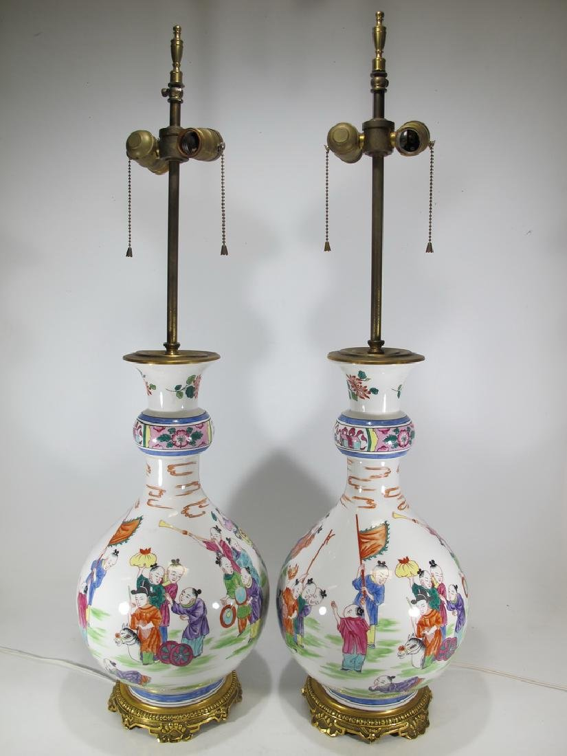 Vintage Chinese pair pf porcelain table lamps