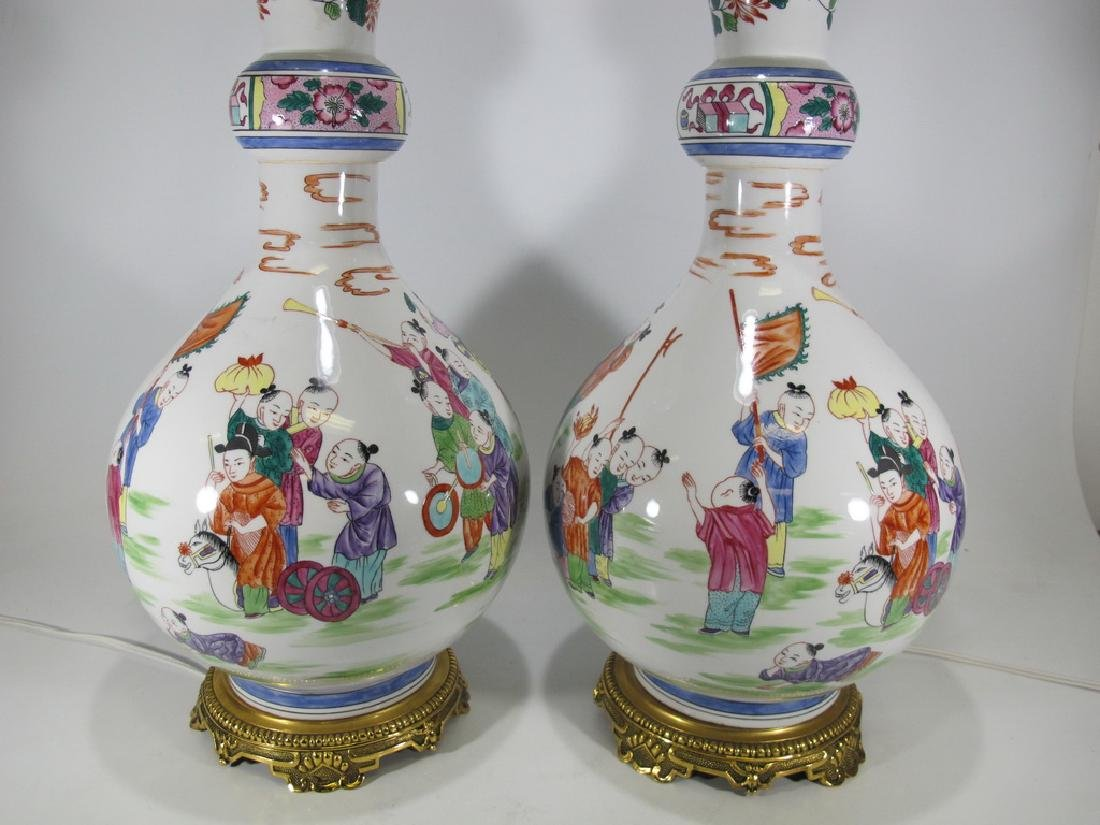 Vintage Chinese pair pf porcelain table lamps - 2