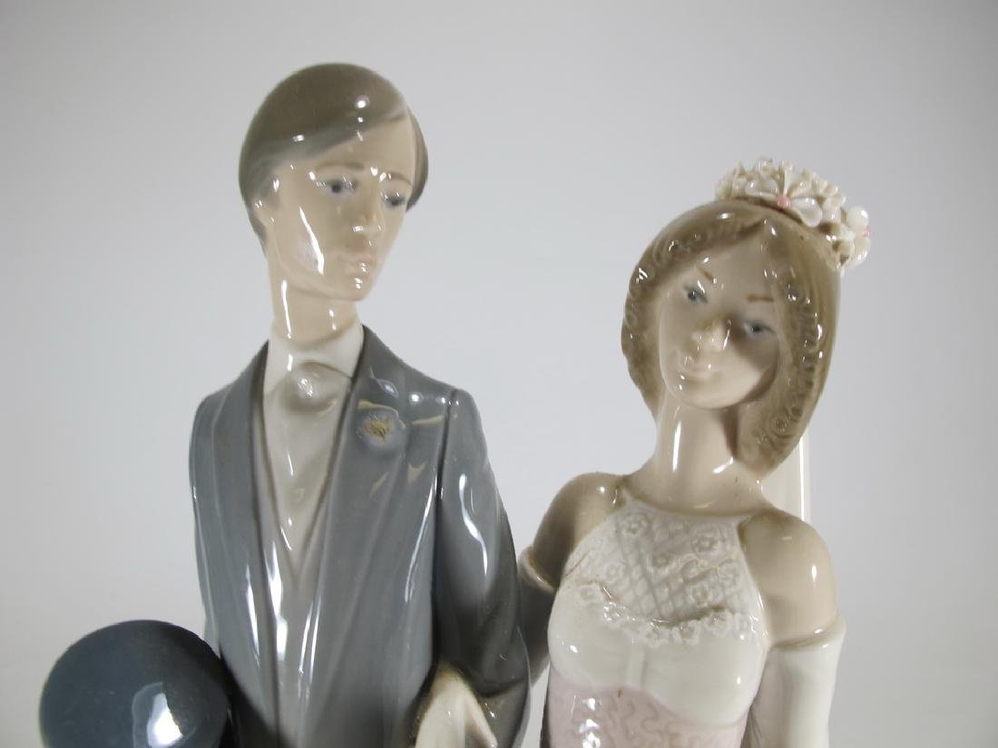 Lladro couple wedding porcelain statue - 2