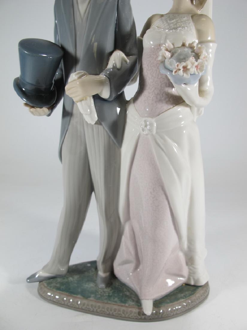 Lladro couple wedding porcelain statue - 3