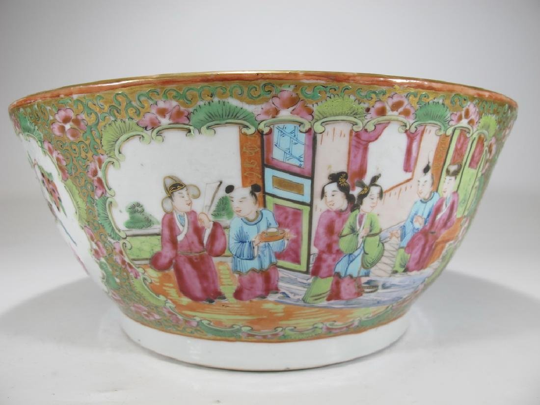 Antique Chinese Rose Medallon porcelain chamber pot - 5