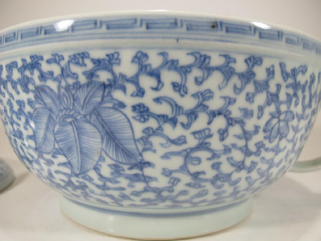 Antique Chinese porcelain lided chamber pot - 4