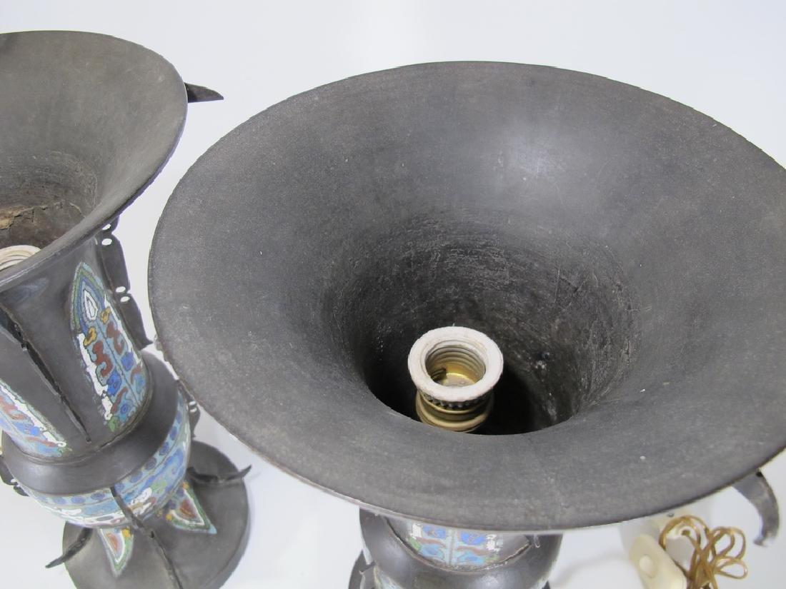 Antique Oriental pair of bronze cloisonne lamps - 7