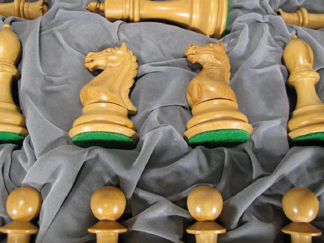 Great wood chess set in a velvet box - 3