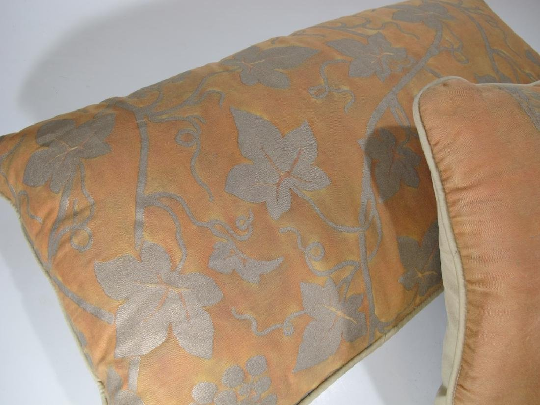 Pair of Fortuny pillows - 3