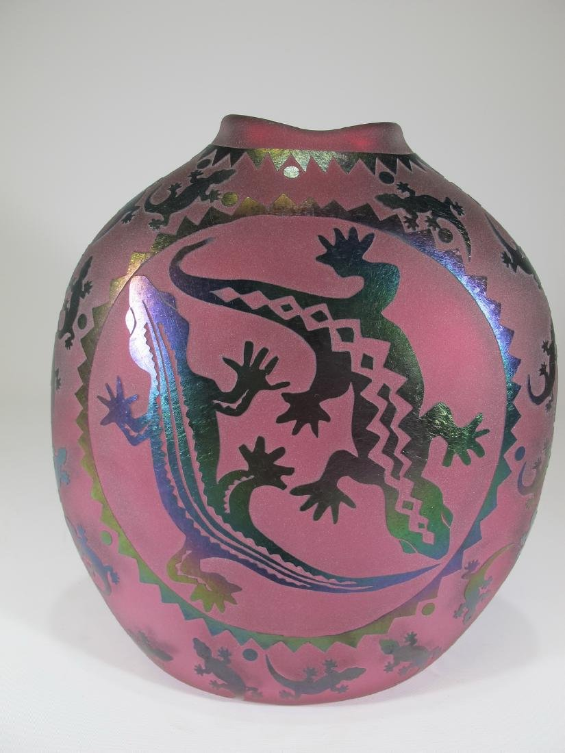 Vintage pink glass vase with lizards applications