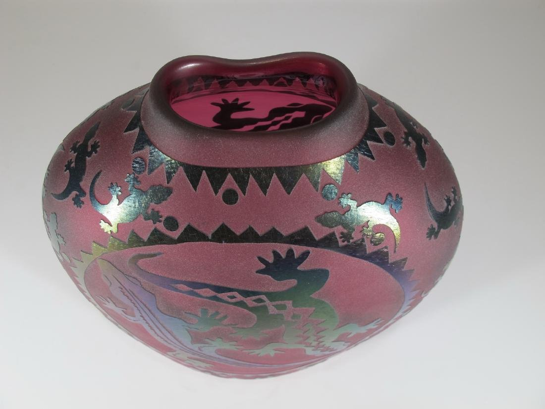Vintage pink glass vase with lizards applications - 2
