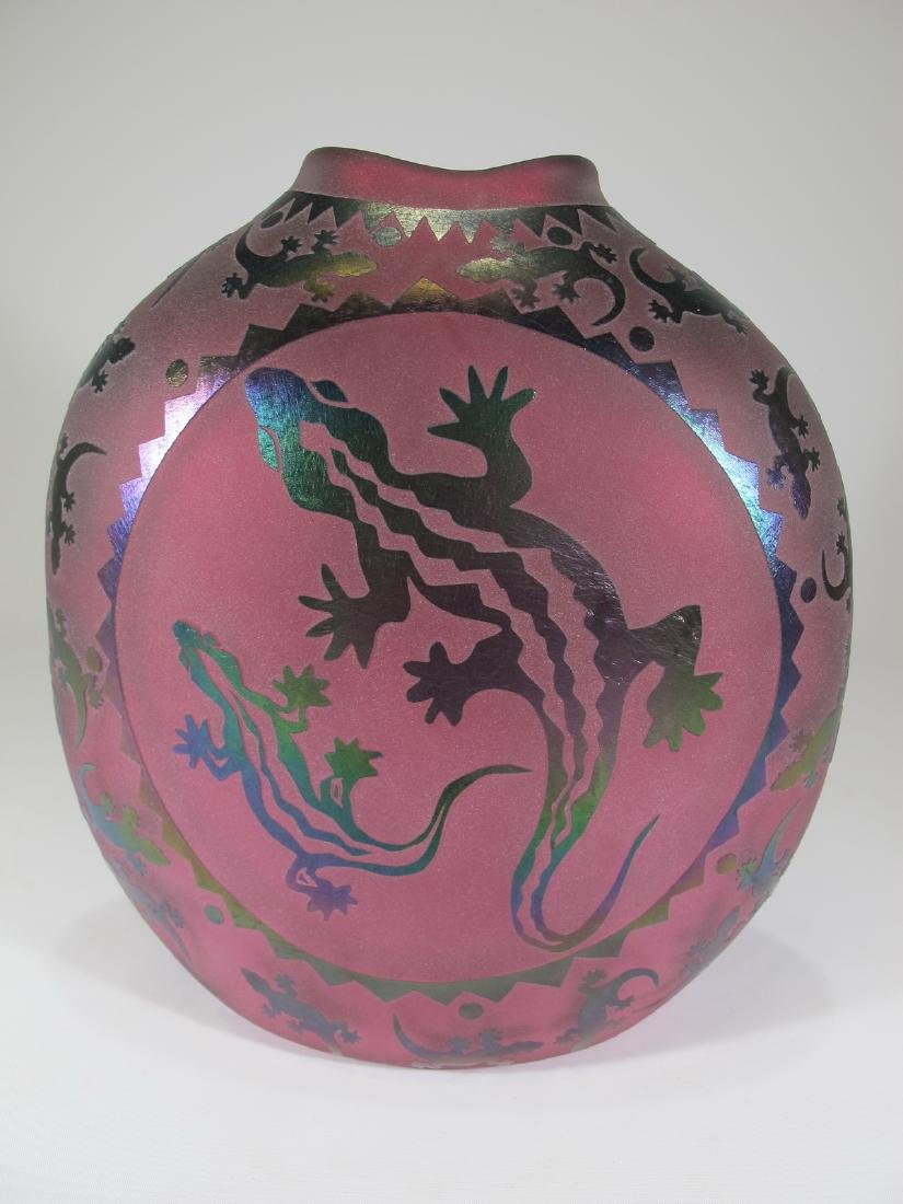 Vintage pink glass vase with lizards applications - 4