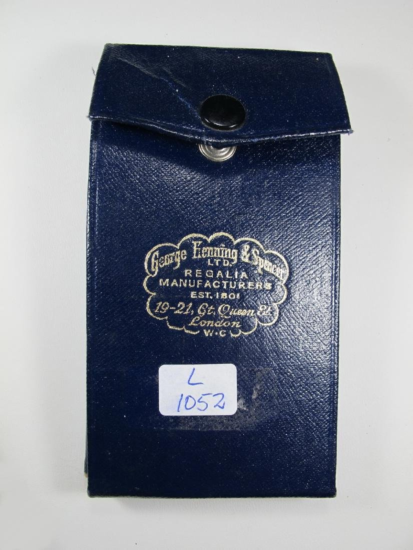 Gold on silver Past Master Masonic breast pin jewel - 8