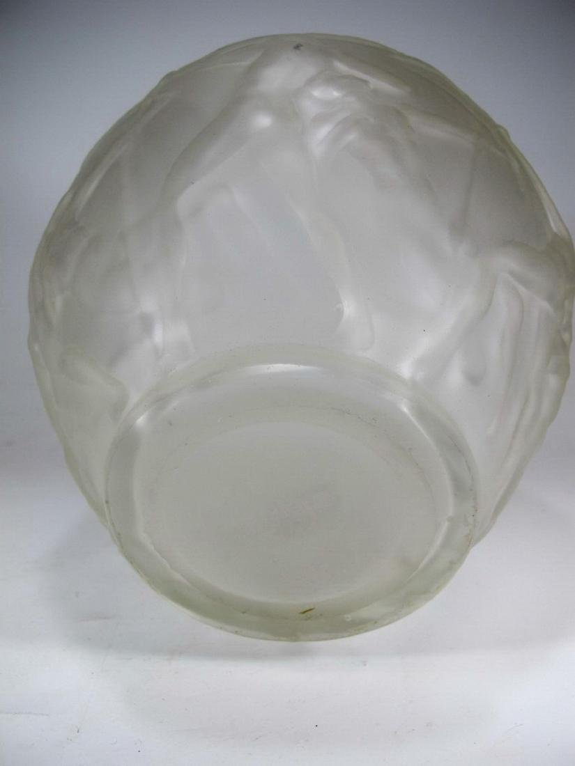 Signed R. Lalique Archers glass vase - 5