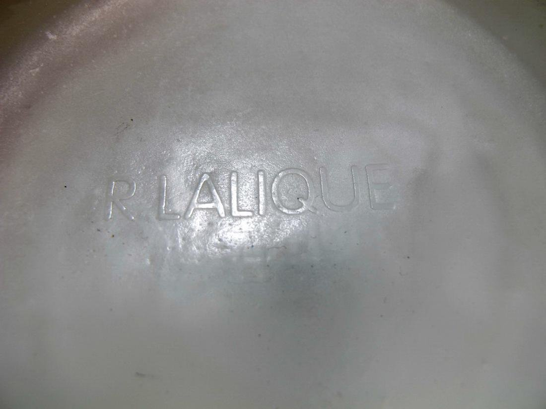 Signed R. Lalique Archers glass vase - 6