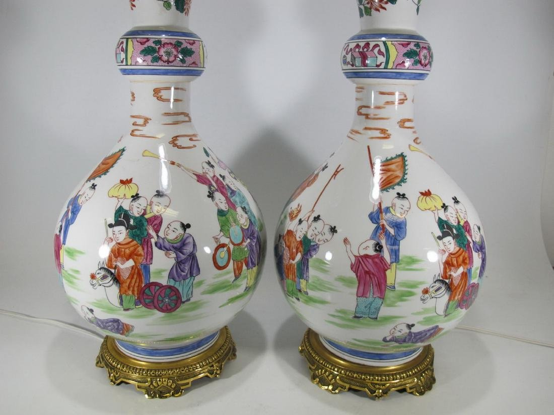 Great Chinese pair of porcelain table lamps - 2