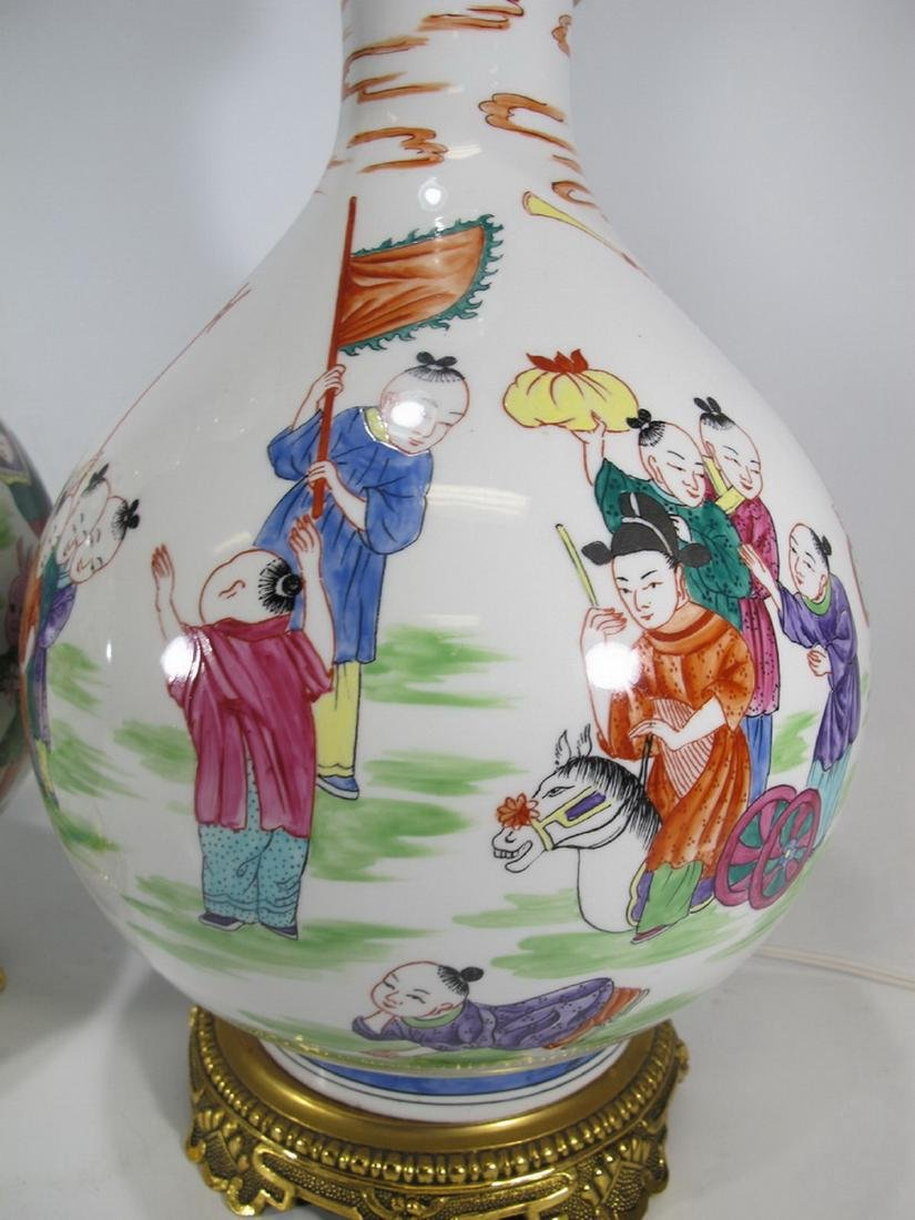 Great Chinese pair of porcelain table lamps - 5