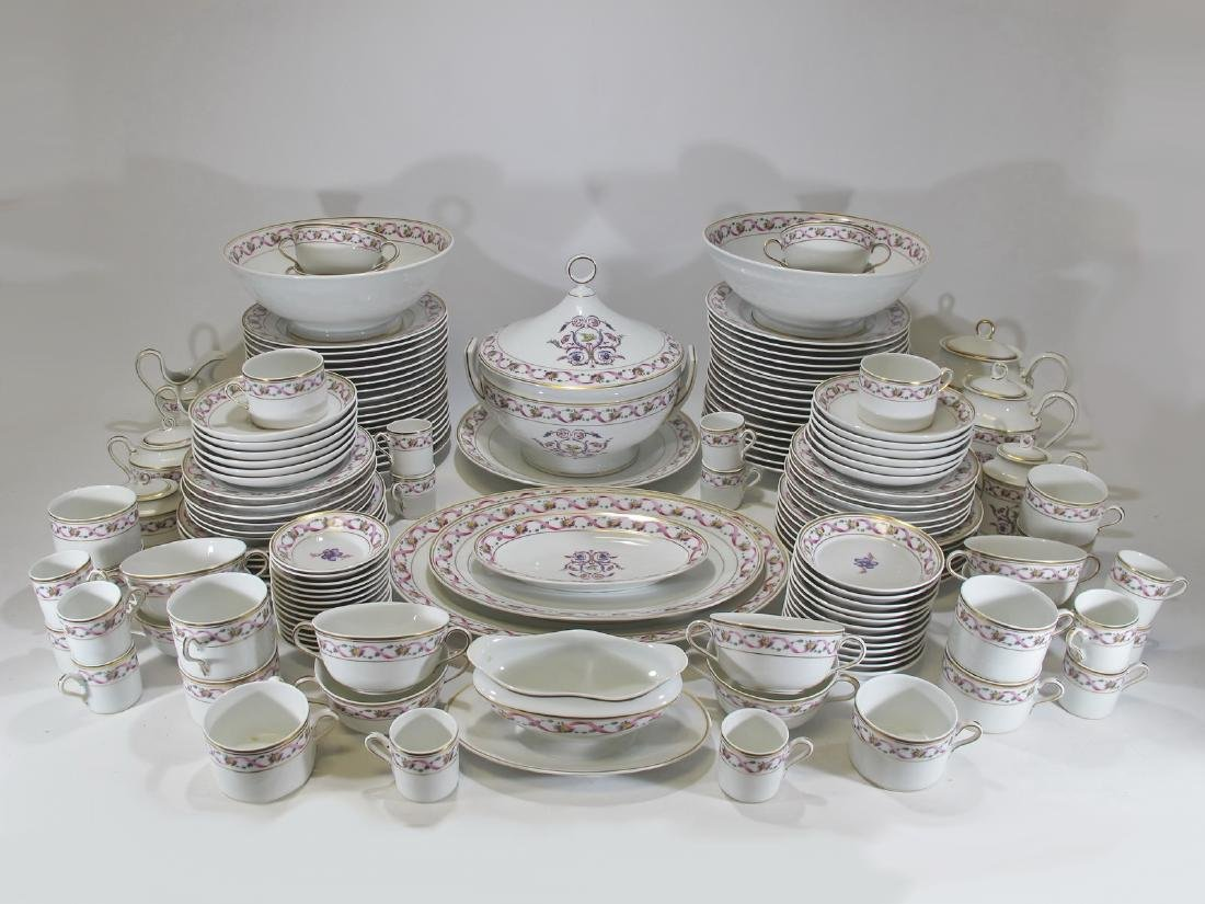 Richard GINORI dinning set of 152 porcelain pcs