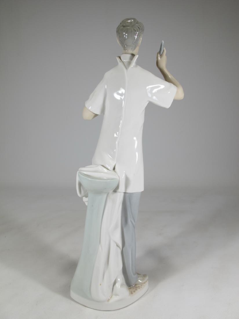 Lladro Doctor porcelain figurine - 5