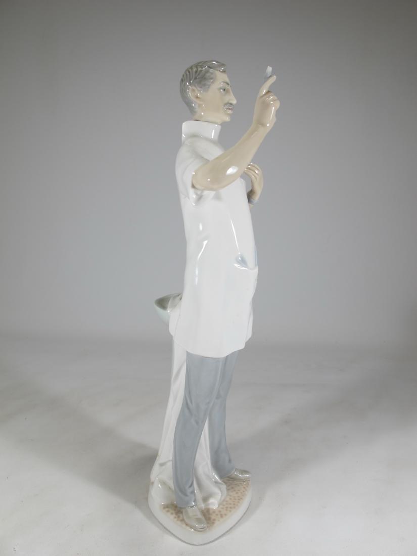 Lladro Doctor porcelain figurine - 6