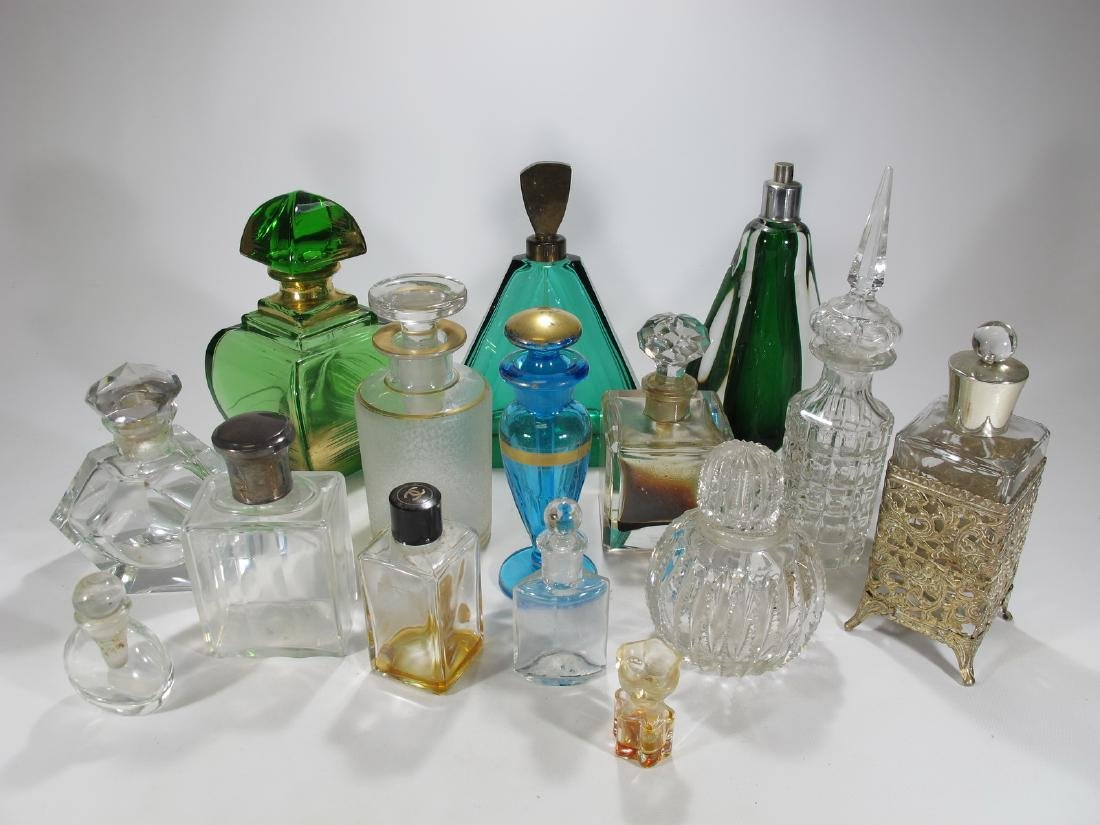 Chanel, Oscar de la Renta & others perfurm bottles