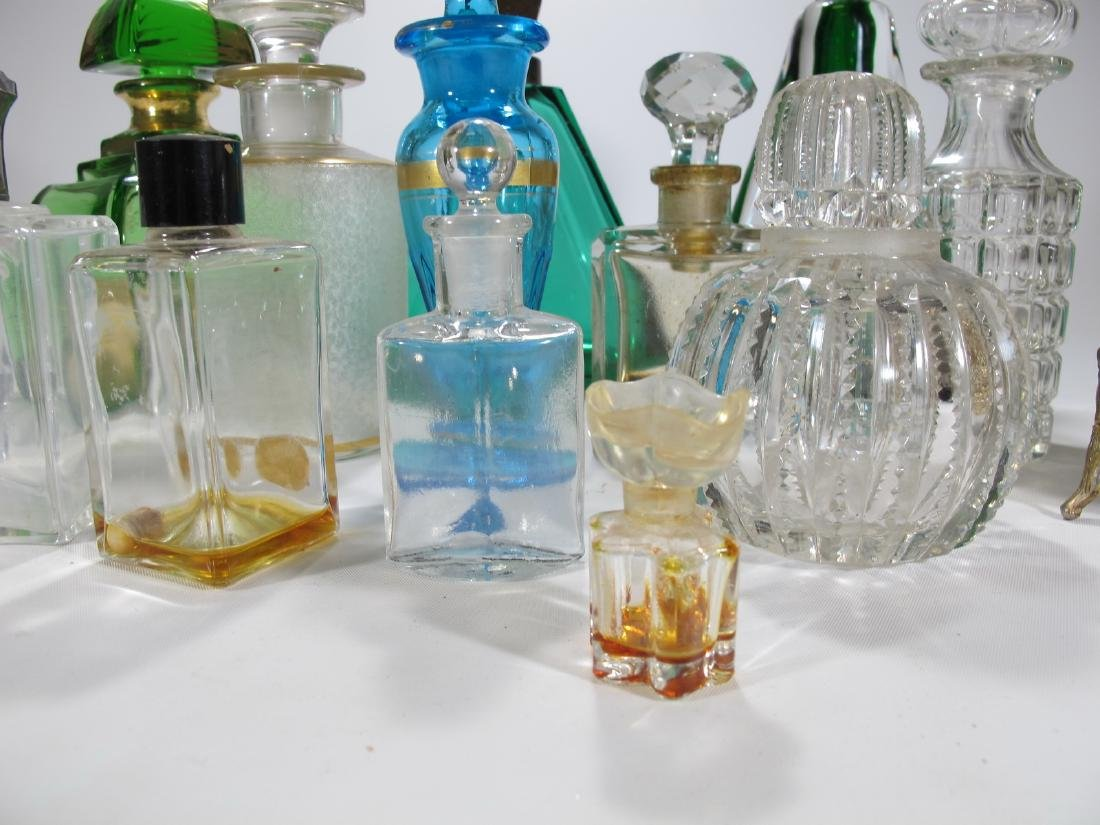 Chanel, Oscar de la Renta & others perfurm bottles - 9