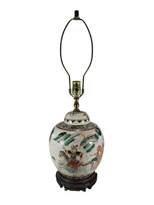 Vintage Chinese porcelain lamp