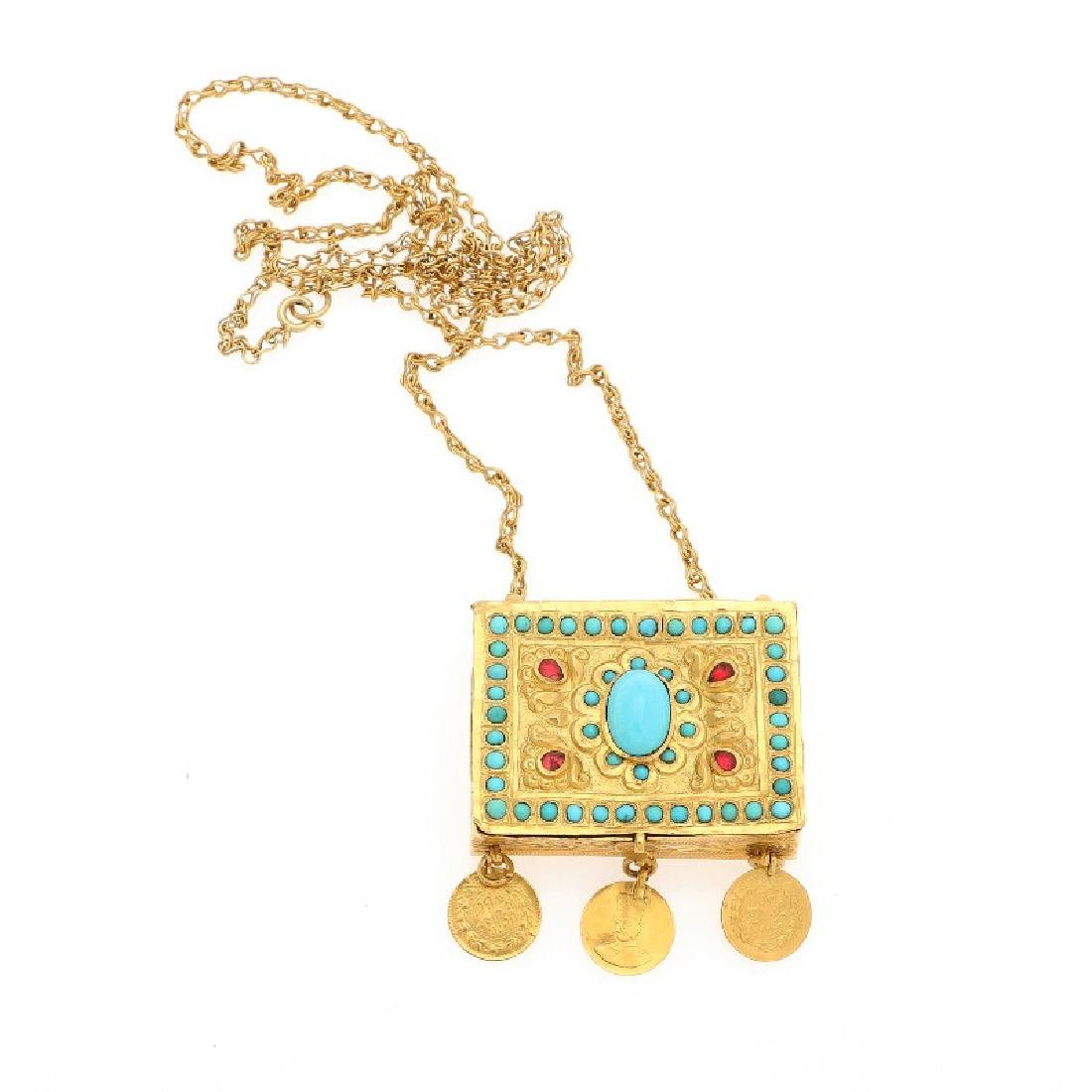 A necklace with box set with numerous turqouises, four