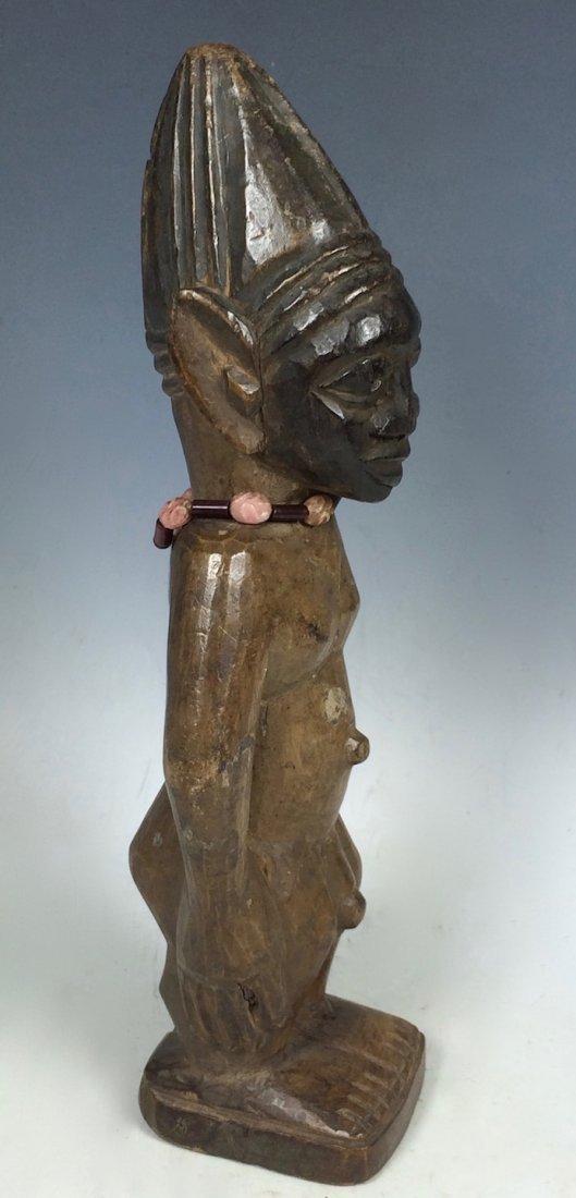 Yuroba Statue - 3