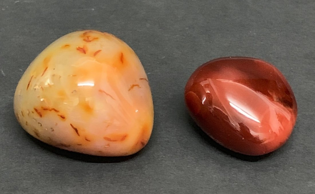 2 pieces Carved Agate Stone