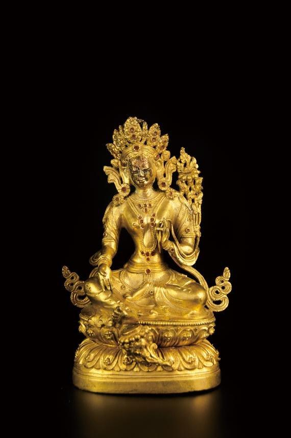 A TIBETAN GILT BRONZE BUDDHA STATUE
