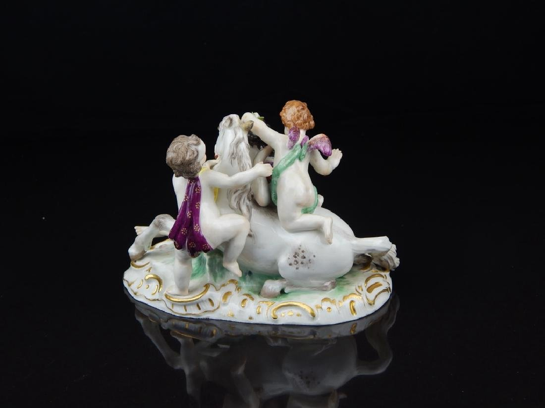 ANTIQUE MEISSEN PORCELAIN FIGURAL GROUP - 3
