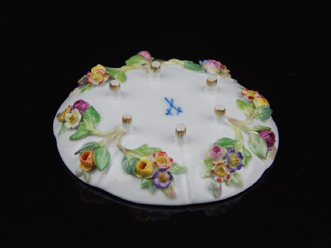 (6) ANTIQUE MEISSEN CUPS/SAUCERS WITH FLOWERS - 6