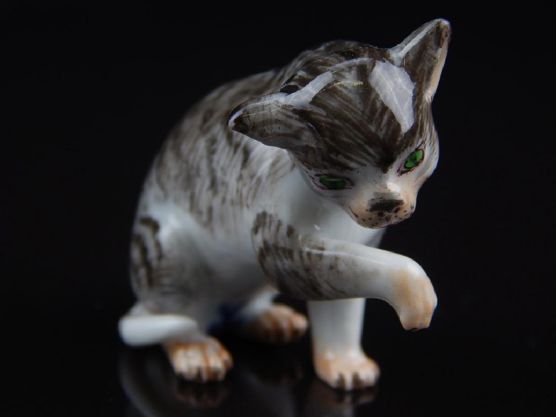 ANTIQUE MEISSEN MINIATURE PORCELAIN CATS - 2