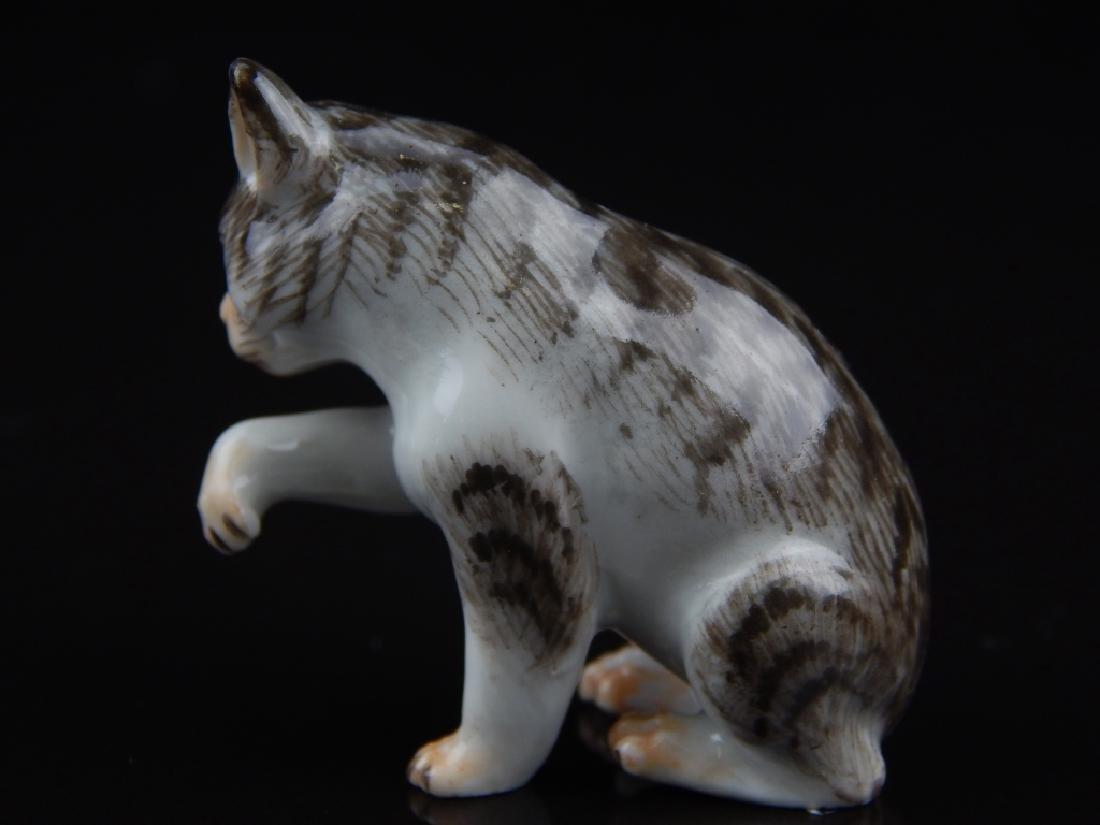 ANTIQUE MEISSEN MINIATURE PORCELAIN CATS - 3