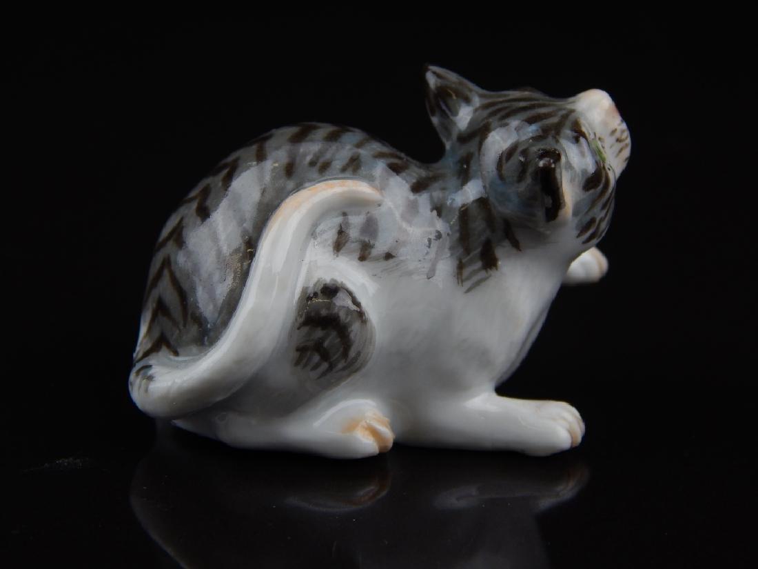 ANTIQUE MEISSEN MINIATURE PORCELAIN CATS - 6