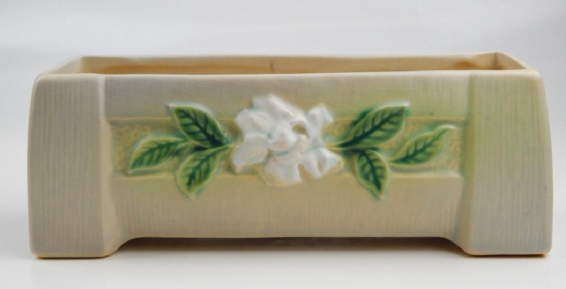 ROSEVILLE GARDENIA POTTERY WINDOW BOX