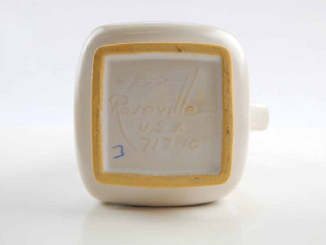 ROSEVILLE SILHOUETTE POTTERY GROUP - 5