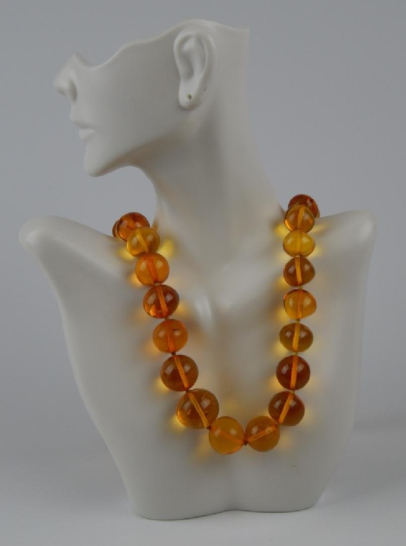 MUSEUM QUALITY BUTTERSCOTCH AMBER BEADED NECKLACE