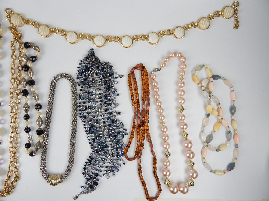 15 COSTUME BEADED AND CHAIN NECKLACES SOME SIGNED - 2