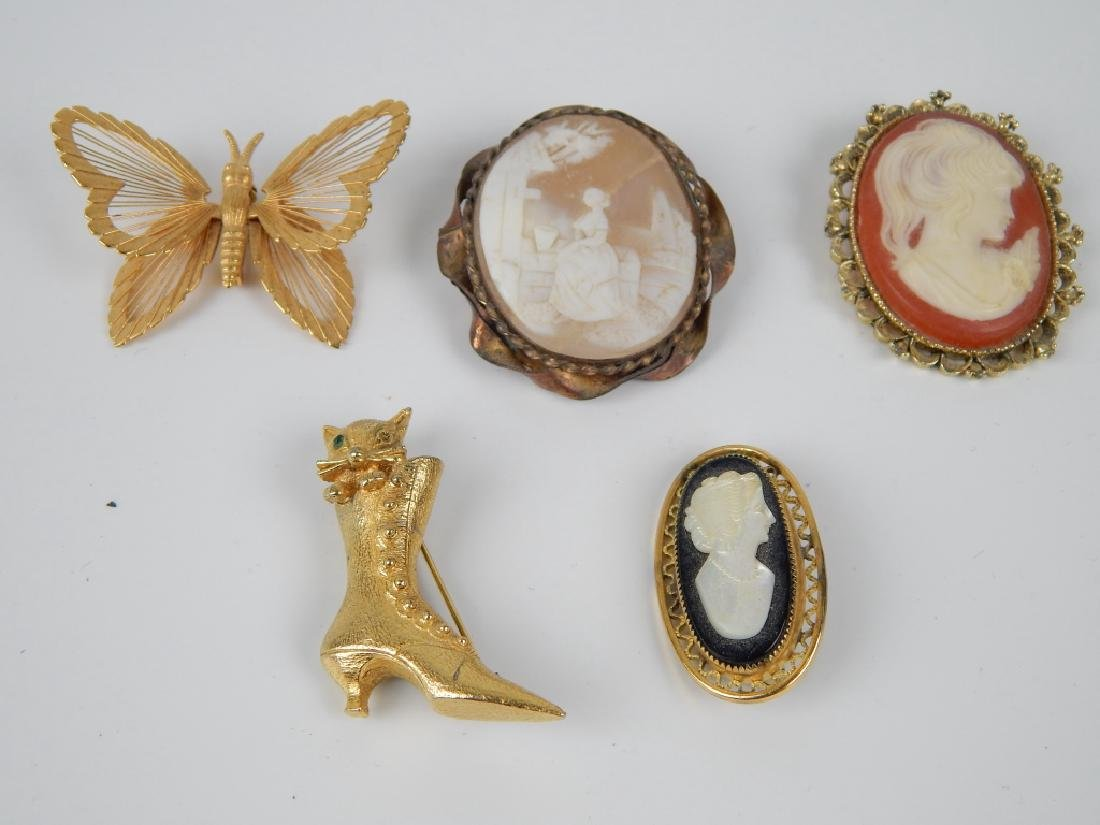 5 VINTAGE BROOCH PIN CAMEO JEWELRY ITEMS SIGNED