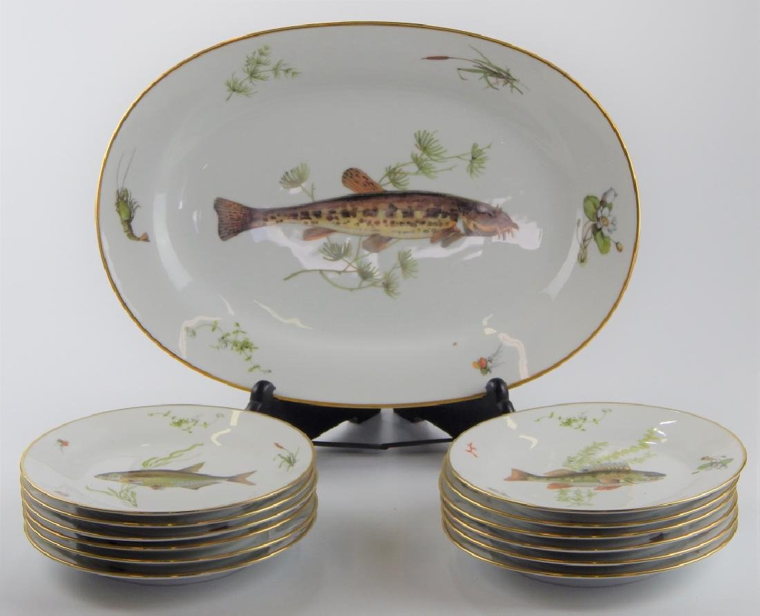13 RICHARD GINORI QUENELL FISH DINNERWARE PIECES