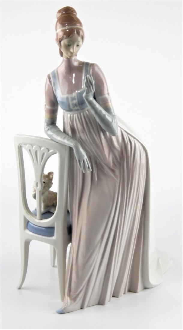LLADRO SPAIN LADY EMPIRE PORCELAIN SCULPTURE 4719