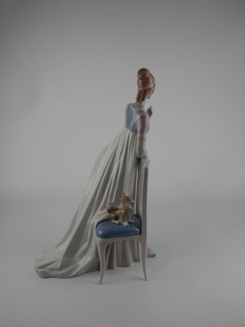 LLADRO SPAIN LADY EMPIRE PORCELAIN SCULPTURE 4719 - 2